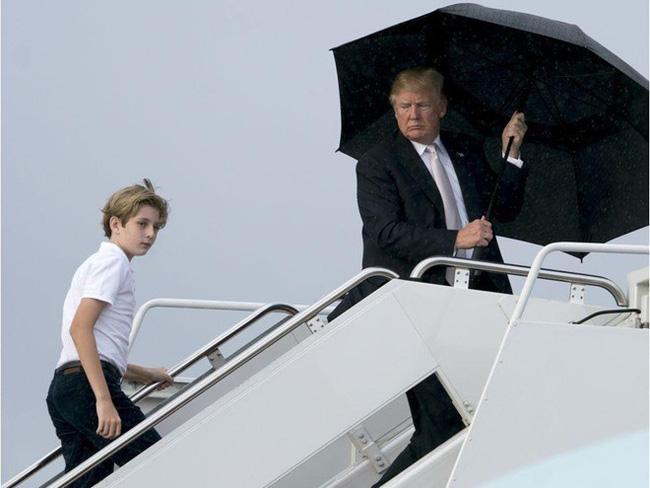 """Cậu út"""" nhà Tổng thống Donald Trump: Vẻ ngoài sáng láng như tài tử, gu thời trang chỉn chu lịch lãm ngay từ khi còn nhỏ xíu-16"""