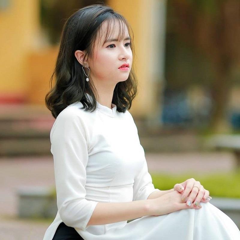Bị học sinh chụp ảnh dìm, cô giáo thực tập vẫn nổi bần bật vì nét lai xinh đẹp chẳng kém hot girl Thái-5