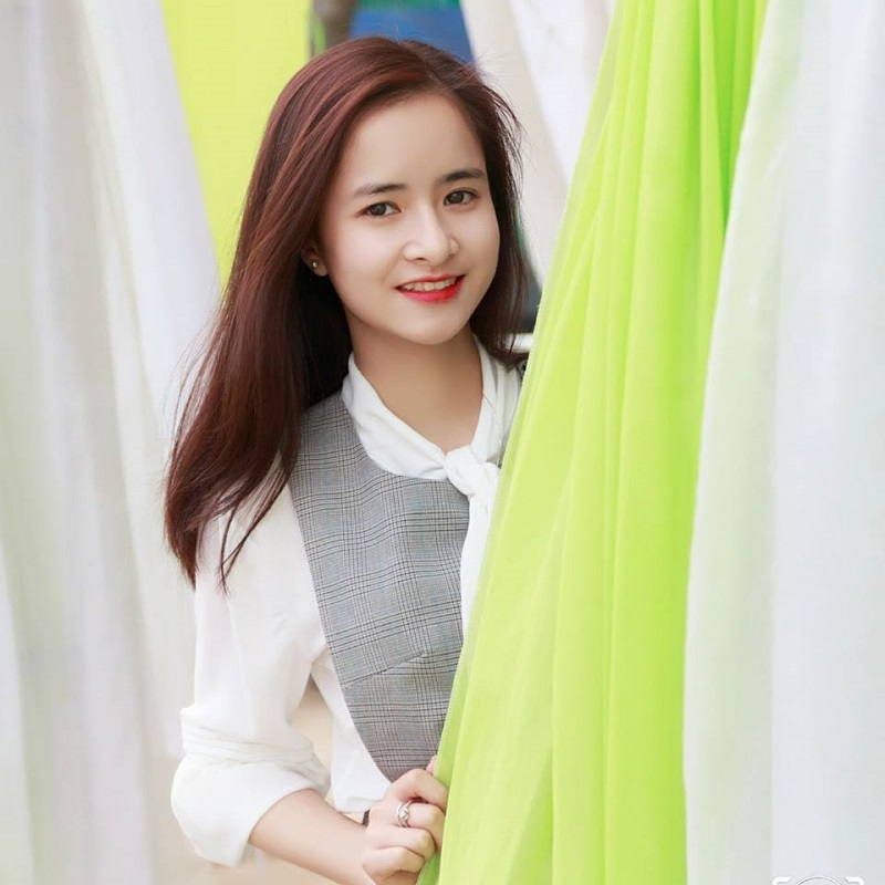 Bị học sinh chụp ảnh dìm, cô giáo thực tập vẫn nổi bần bật vì nét lai xinh đẹp chẳng kém hot girl Thái-10
