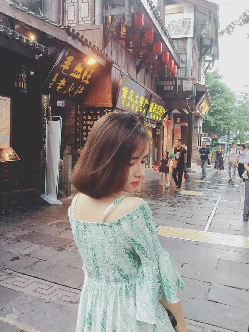 Bị học sinh chụp ảnh dìm, cô giáo thực tập vẫn nổi bần bật vì nét lai xinh đẹp chẳng kém hot girl Thái-9