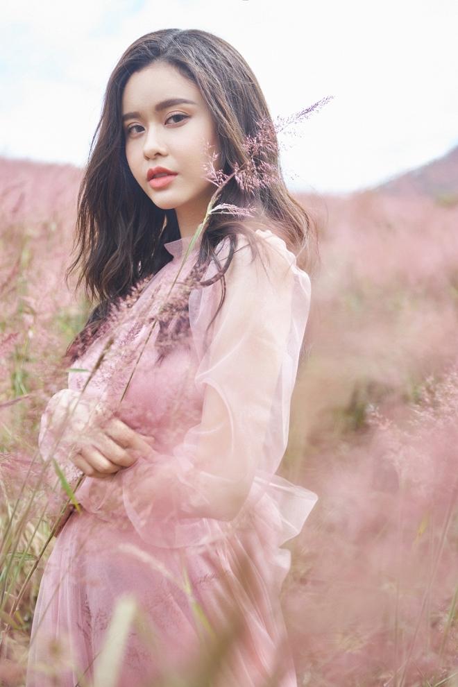 Mẹ một con Trương Quỳnh Anh đẹp nhẹ nhàng, mong manh tựa sương khói-7