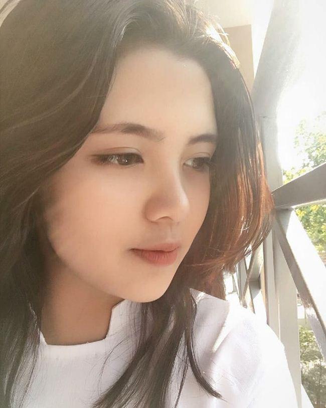 Những thiếu nữ Việt xinh đẹp, nổi tiếng sau 1 đêm nhờ mặc áo dài trắng-4