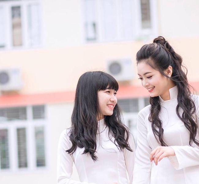 Những thiếu nữ Việt xinh đẹp, nổi tiếng sau 1 đêm nhờ mặc áo dài trắng-10