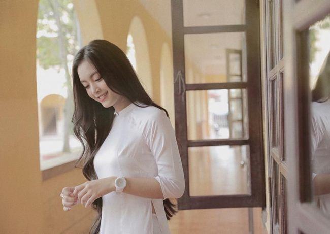 Những thiếu nữ Việt xinh đẹp, nổi tiếng sau 1 đêm nhờ mặc áo dài trắng-7