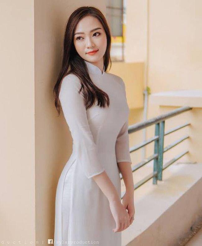 Những thiếu nữ Việt xinh đẹp, nổi tiếng sau 1 đêm nhờ mặc áo dài trắng-12