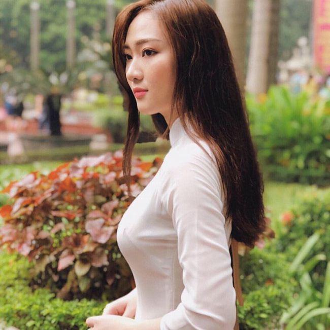 Những thiếu nữ Việt xinh đẹp, nổi tiếng sau 1 đêm nhờ mặc áo dài trắng-13