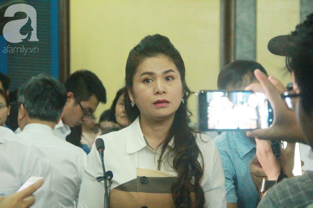 Bà Lê Hoàng Diệp Thảo ngậm ngùi: Vì thương chồng mới đưa ông Vũ vào nhà thương điên-5