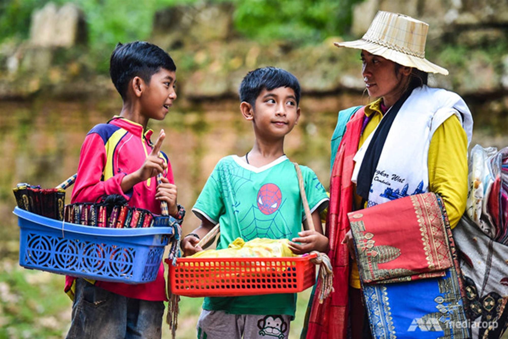 Cô bé H'Mông nói tiếng Anh như gió và chuyện đổi đời nhờ ngoại ngữ-2