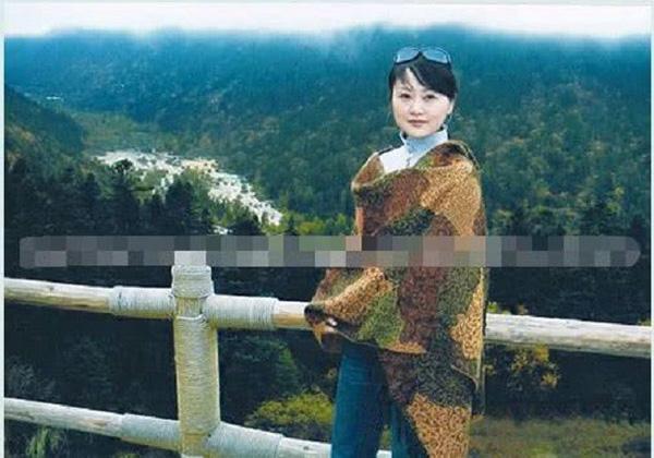 Nữ MC nổi tiếng Trung Quốc tự tử vì chồng ngoại tình, thư tuyệt mệnh gửi lại cũng chỉ mong chồng cho đeo nhẫn, mặc váy cưới-1