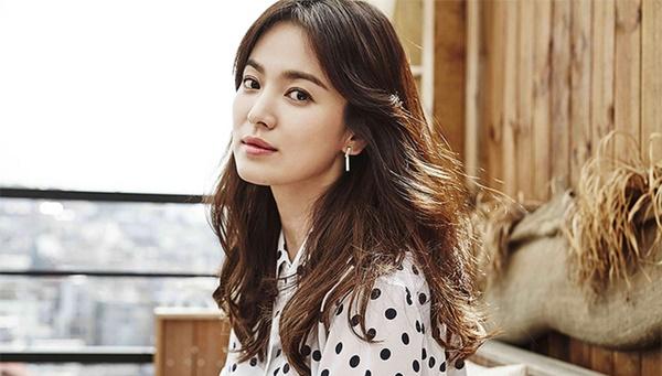 Xin đừng lo lắng cho Song Hye Kyo, nếu lỡ một ngày hôn nhân trật bánh thì cũng chẳng cần tiếc nuối một cuộc tình chẳng trọn vẹn, một người đàn ông thay lòng-9