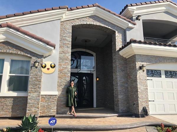 Những căn biệt thự triệu đô của sao Vbiz trên đất Mỹ: Bằng Kiều 2.000 m2 vẫn chưa khủng bằng nghệ sĩ này!-3