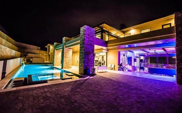 Những căn biệt thự triệu đô của sao Vbiz trên đất Mỹ: Bằng Kiều 2.000 m2 vẫn chưa khủng bằng nghệ sĩ này!-9