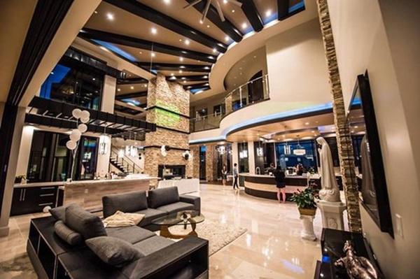 Những căn biệt thự triệu đô của sao Vbiz trên đất Mỹ: Bằng Kiều 2.000 m2 vẫn chưa khủng bằng nghệ sĩ này!-11