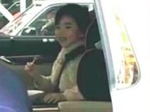 Con gái Dương Mịch lộ mặt sau khi cha mẹ ly hôn và biểu cảm của cô bé gây chú ý lớn