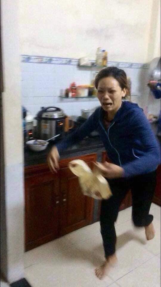 Đang nấu cơm trong bếp, người phụ nữ khóc thét lao ra ngoài khi mở nắp vung nồi ra-3