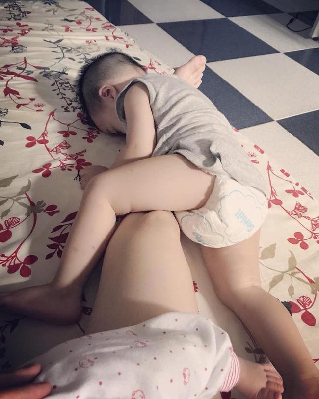 Nghẹn thắt lòng tâm sự mẹ dành riêng cho con trai khi sinh thêm em bé mới, khiến ai nấy đọc đều xót xa và đồng cảm-2