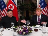 Chó nghiệp vụ, đầu bếp riêng và người thử đồ ăn cho hai ông Trump, Kim