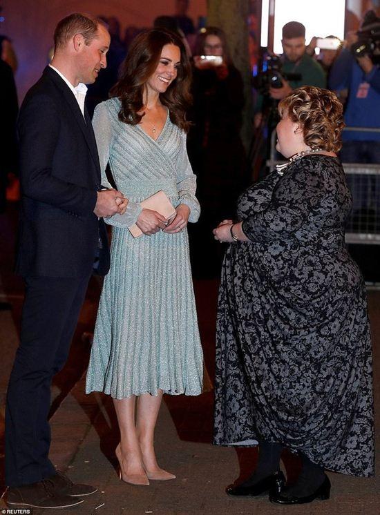 Mẹ chồng Hà Tăng đụng váy 57 triệu đồng với công nương Kate: Ai đẹp hơn ai?-4