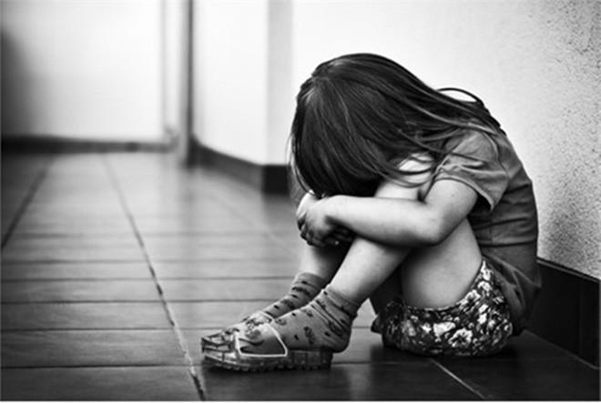 Rúng động: Giáo viên chủ nhiệm bị tố xâm hại hàng loạt nữ sinh tiểu học-1
