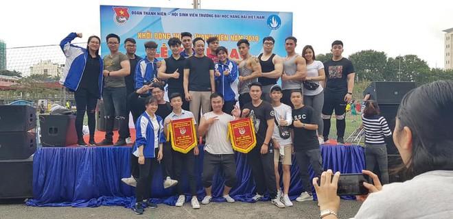 Xuất hiện trường ĐH ở Việt Nam sở hữu dàn nam sinh body 6 múi, cơ bắp lực lưỡng đến chảy máu mũi!-4