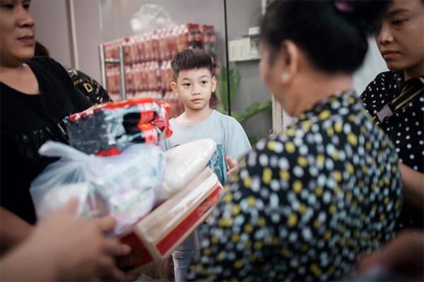 Con trai Cường Đô La - Hà Hồ lớn phổng phao, học giỏi, thích thể thao-4