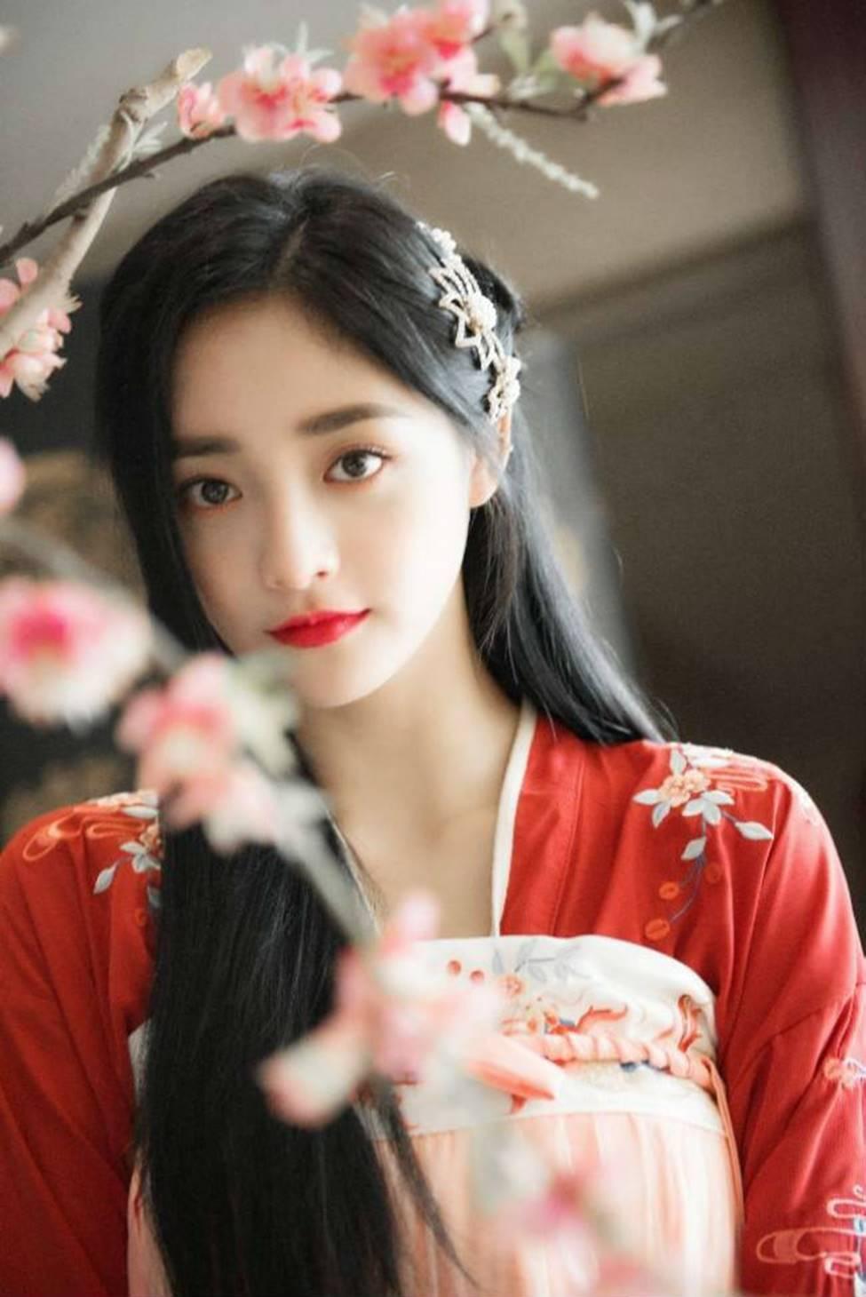 Dung mạo như hoa của bạn gái tin đồn thiếu gia giàu nhất Trung Quốc-7