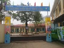 Vụ giáo viên bị tố dâm ô học sinh: Đại diện chính quyền bác bỏ thông tin ông M. sàm sỡ ở khu vực nhà vệ sinh