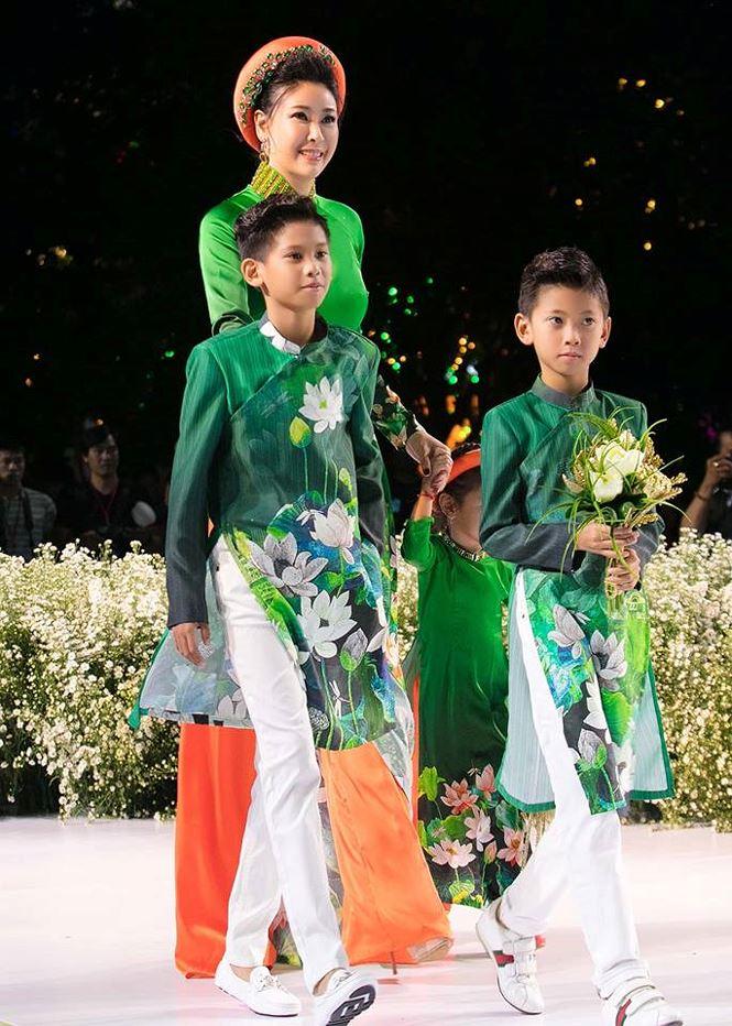Tiểu Hoa hậu nhà Hà Kiều Anh xinh như thiên thần trình diễn áo dài-2