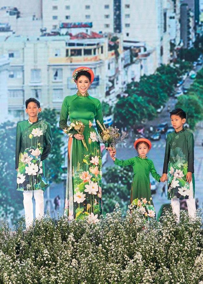 Tiểu Hoa hậu nhà Hà Kiều Anh xinh như thiên thần trình diễn áo dài-1