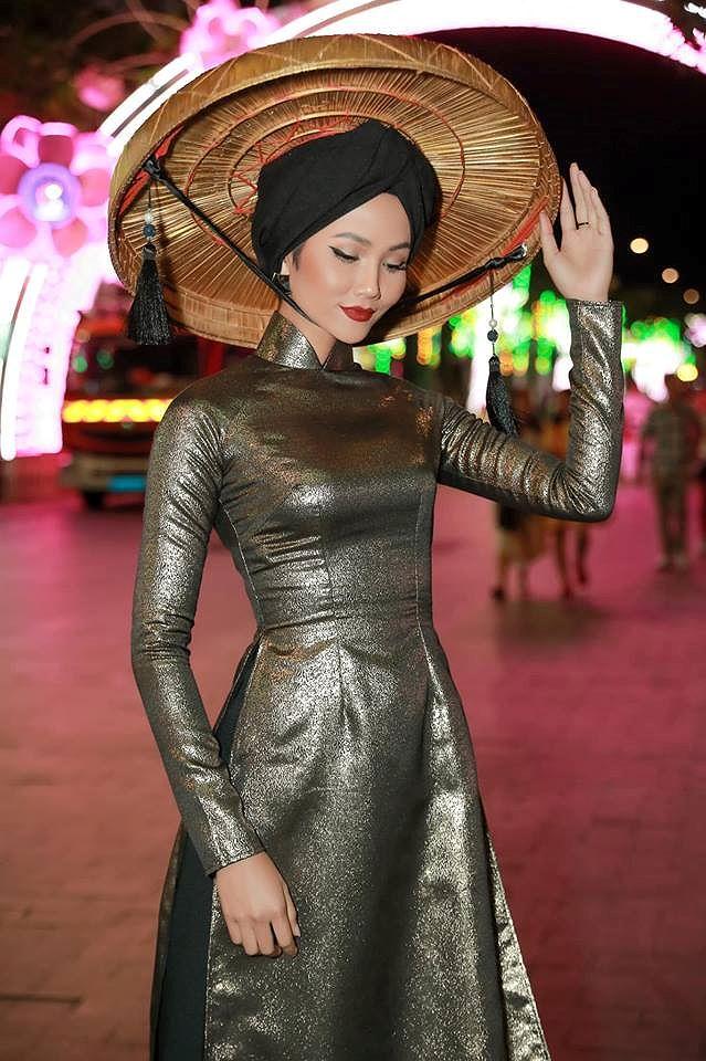Tiểu Hoa hậu nhà Hà Kiều Anh xinh như thiên thần trình diễn áo dài-7