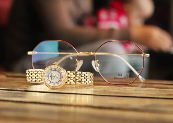 Quà đặc biệt 8/3: đồng hồ Diamond D giảm giá 20%-3