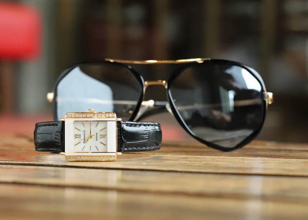 Quà đặc biệt 8/3: đồng hồ Diamond D giảm giá 20%-7