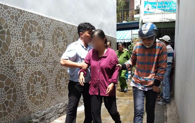 2 căn nhà ở Sài Gòn bất ngờ bị cháy rụi rồi đổ sập, gia chủ đến hiện trường gào khóc-3
