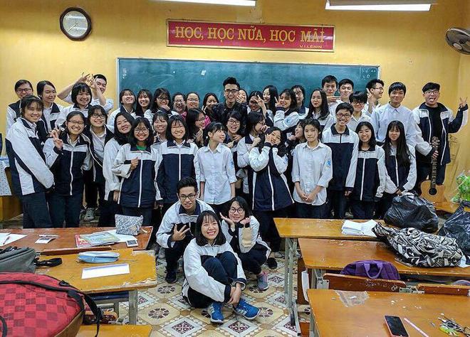 Giáo viên tâm lý phong cách như trai Hàn được bọn học trò lắm chiêu rần rần xin link-2