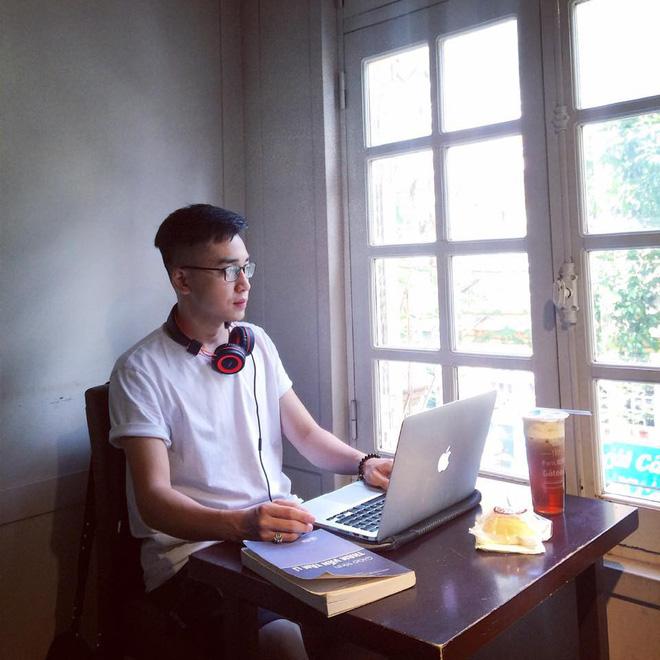 Giáo viên tâm lý phong cách như trai Hàn được bọn học trò lắm chiêu rần rần xin link-3