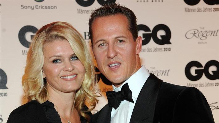Michael Schumacher lần đầu xuất hiện sau 6 năm chiến đấu với Tử thần-3