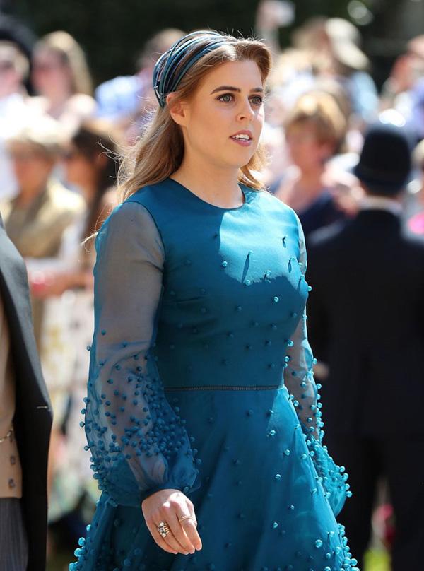 Bà bầu Meghan cô lập mình với gia đình nhà chồng, tiếp tục gây thù chuốc oán với một thành viên hoàng gia-1