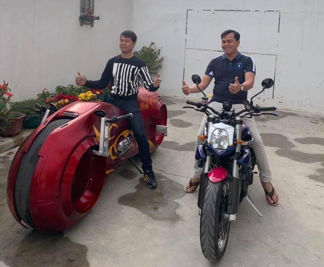 Bộ sưu tập mô tô tiền tỷ của người đàn ông đeo nhiều vàng nhất Việt Nam Phúc XO, dàn xe biển ngũ quỹ ít ai biết-2