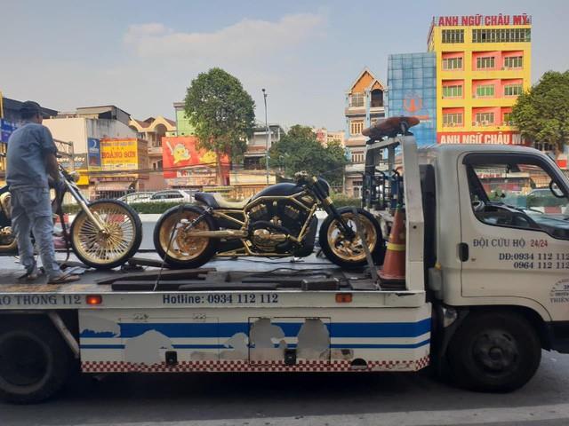 Bộ sưu tập mô tô tiền tỷ của người đàn ông đeo nhiều vàng nhất Việt Nam Phúc XO, dàn xe biển ngũ quỹ ít ai biết-6