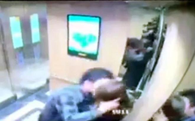 Cô gái kể phút bị yêu râu xanh ôm hôn trong thang máy ở Hà Nội-1