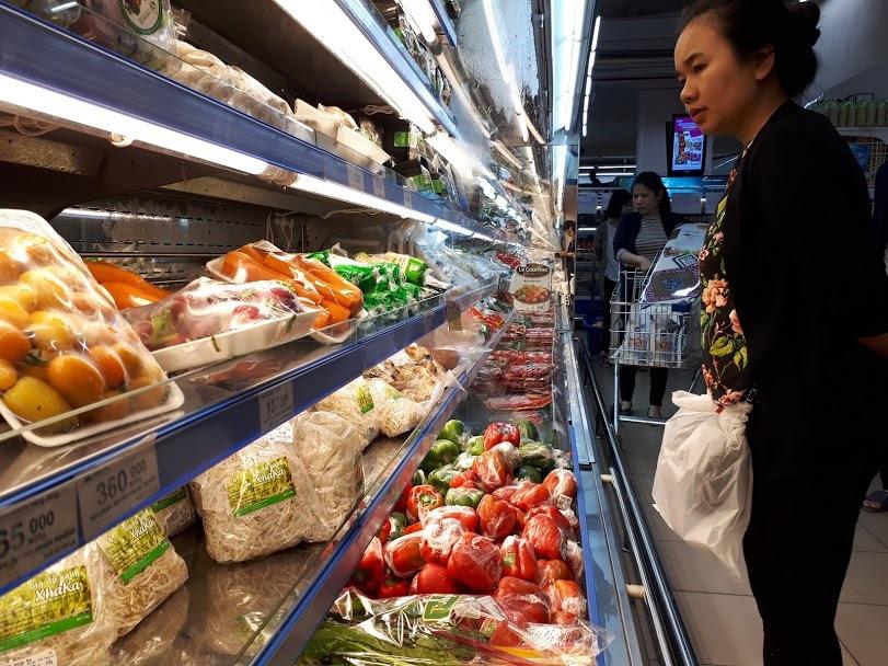Giá điện tăng, xăng lên mạnh: Đắt đỏ mớ rau con cá , lo mâm cơm nhà dân-2
