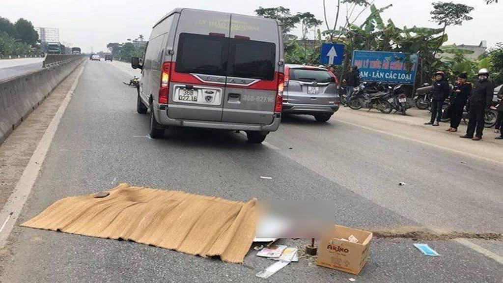 Tiết lộ khó tin về xe khách lao đuôi xe container khiến cán bộ công an tử vong-2