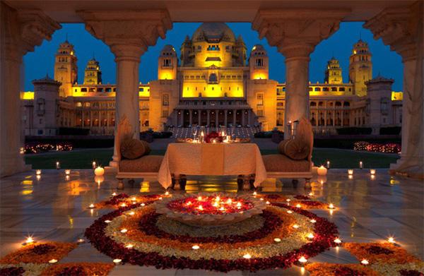 Soi vào những đám cưới dát vàng ở Ấn Độ để thấy sự xa hoa có lí lẽ của nó-5