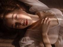 Elly Trần khoe vóc dáng nóng bỏng trong trang phục đồ ngủ
