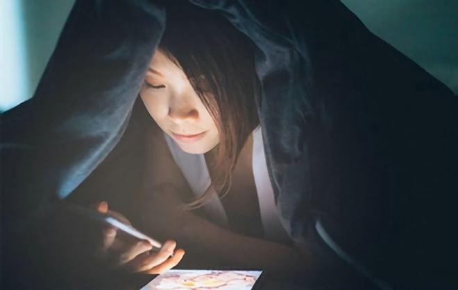 Cô gái 21 tuổi bị suy buồng trứng sớm chỉ vì thói quen ban đêm mà giới trẻ mắc phải rất nhiều-2