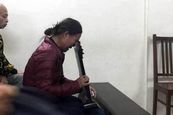 Châu Việt Cường chắp tay xin lỗi mẹ cô gái xấu số-3