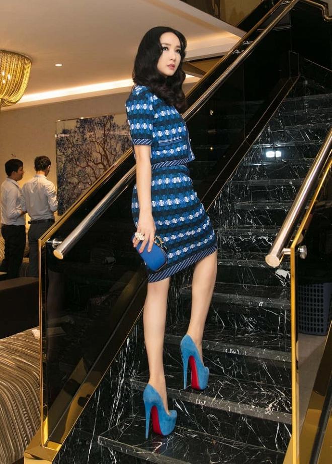 Hoa hậu Giáng My thả dáng sang chảnh với cây đồ hiệu-9