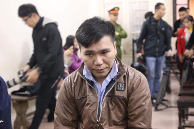 Nỗi đau và giọt nước mắt của 2 người mẹ trong phiên xét xử ca sĩ Châu Việt Cường nhét tỏi vào miệng khiến cô gái trẻ tử vong-6