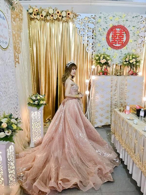 Hình ảnh cô dâu đeo vàng trĩu người khiến dân mạng hài hước xuýt xoa: Lấy chồng đúng là một gánh nặng!-4