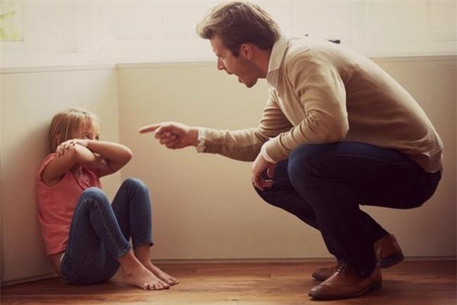 Khi dạy con cha mẹ ngàn lần không nên cấm trẻ làm 9 điều này, bằng không sẽ ảnh hưởng đến sự phát triển sau này của bé-4